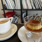 アオゾラコーヒーショップ - 自家製プリンとブレンドコーヒー