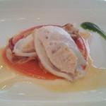レストラン ミッテ - 魚 イカの上に魚すり身?