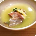 東山 吉寿 - 瀬戸内海産の鱸の薄葛仕立のお椀