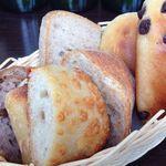 パン オ フゥ - ランチセットのパンはおかわり自由♬