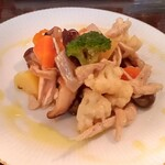 ピッコロジャルディーノ - 鶏肉と根菜類のサラダ