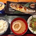 久茂地日本酒エビス  - 備長炭干しの焼きサバ定食