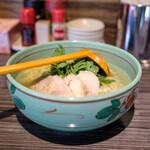 155015918 - 鶏塩ラーメン(950円)