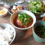 越南食卓 - ベトナム風皮なしシュウマイ定食