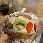 カフェ ソース - 大山ミルク&ぎっしりフルーツのマリトッツォ