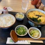 釜玄本店 - 料理写真:玉子とじうどんランチ 830円
