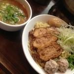 15507224 - スペシャルつけ麺 1050円 + 大盛 50円。