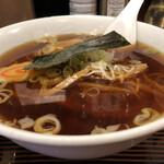 市の屋飯店 - 海苔がスープにつかないようにネギに乗ってます。
