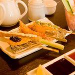 華 - 料理写真:手作りのソース・ポン酢でお召し上がりください