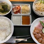 焼肉 さくら - 豚トロ塩、地鶏味噌、ランチ980円