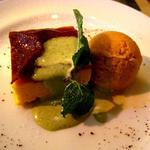 トラットリア・ラ・ヴィータ - デザート(かぼちゃのチーズケーキ+キャラメルアイス)