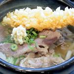 将八うどん - 肉の味付けは甘めで、かけ出汁に 美味しく合う味でした。