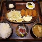 福岡焼き鳥 鮮笑 - 牡蠣フライ定食