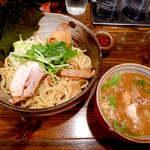 中華そば 椿 - 特製つけめん(¥1050)チャーシューはアンデス豚のハーブ煮。どろスープと海苔の相性は良い♪