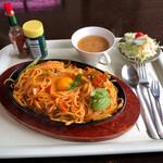 珈琲サロン ひまわり - 料理写真:鉄板ナポリタンです