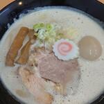 吉風  - 鶏豚骨ラーメン・煮玉子トッピング