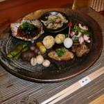 和心 - 料理写真:おすすめ3品(5品)の1品めの前菜。季節を彩り見ても食べても楽しめる。そしてこのボリュームお得な気分。
