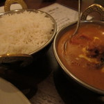 南インド料理ダクシン - チキンバターカレーと長粒米