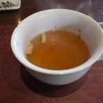 プルニュエ - 大きなカップのスープから