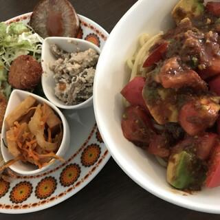 カメイノ食堂 - 料理写真:冷やし中華