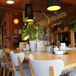 プーティー カフェ - 店内