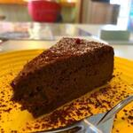 カリーハウス マシャーーラ - スパイスチョコレートケーキ