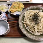 Monzensobayamahiko - きしめんはきしめん。食わなくてもいい感じでした。