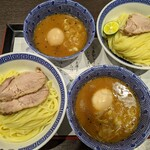 つじ田 - 料理写真:濃厚味玉つけ麺   ¥1080    (上 ) 濃厚特製つけ麺  ¥1190     (下)