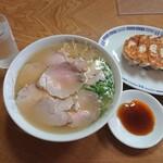松本中華そば店 - 肉小と餃子
