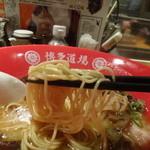 神屋流 博多道場 - 麺リフト