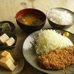 めし処 壬屋 - とんかつ定食1000円