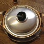 茶の間 雛 - 鍋焼きうどん 450円