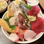 旬菜魚 いなだ - 特上海鮮丼