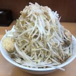 ラーメン ○菅 - 料理写真:らーめん(730円) 全マシ