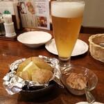 大雪地ビール館 - 北海道ではじゃがいもに塩辛ですね( *´艸) 2杯目
