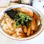支那そばや - 料理写真:ワンタンメン(醤油)