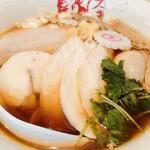 鶏そば 朱雀 - 料理写真:鶏そば味玉醤油の鶏むね3枚トッピング^ - ^