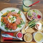 zakka+cafe KICHI. - 料理写真:ローストビーフ丼のランチセット