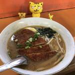 豚太郎 - 料理写真:みそカツラーメン 700円(税込)