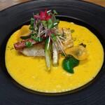 鉄板dining香音 - 真鯛ソテー、ニンジンソース