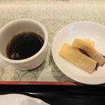 上海庭 - ランチのコーヒーとお菓子 セルフサービスです