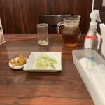 四川小吃 雲辣坊 - お茶はピッチャーで登場です。