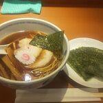 たけちゃんにぼしらーめん - 醤油ラーメン海苔