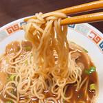 徳島ラーメン 大孫 - ストレート中細麺