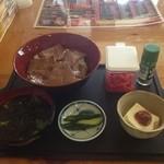 やきとり工場 - 豚ロース丼680円