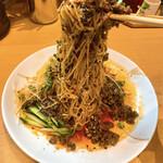 万豚記 - 細麺