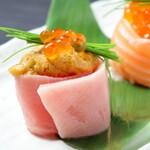 すし 旬鮮料理 しゃり膳 - 贅沢寿し_ウニ巻き、トロサーモンいくら巻き