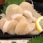 亀松 - ホタテ刺し あっぷ