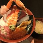 魚料理みうら - 料理写真:海鮮丼(大盛)