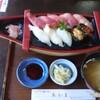 味どころ あかま - 料理写真:昼の限定メニュー「寿司」